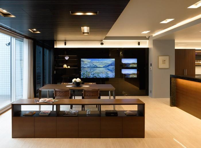 グラスルーチェで叶える、美しきTV空間。価格・施工・実例