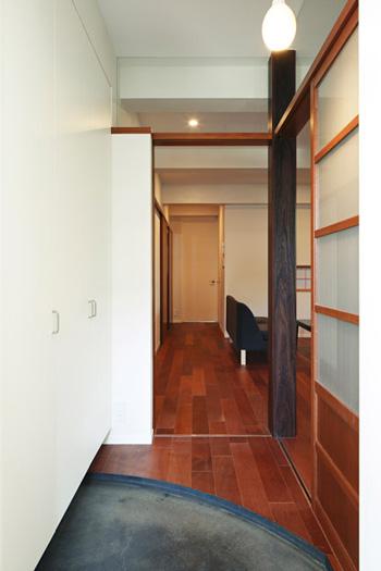 リノベーション事例#414_モダニズム建築のようなレトロ空間