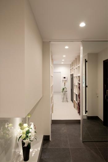 玄関リフォームで、住まいの顔を使いやすくリフレッシュ