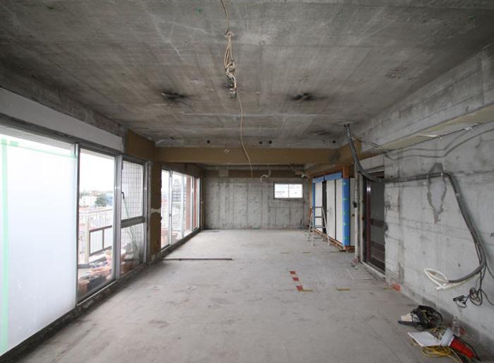 スケルトンリフォームで新築同様の住まいに。注意点や工期・費用を解説