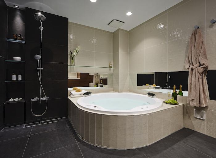 ラグジュアリーなバスルームで至福の時間、自宅のお風呂をホテルライクに