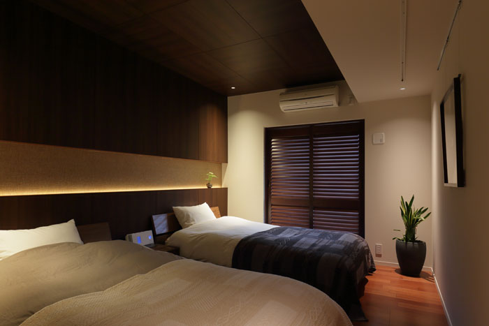 ぐっすり眠れていますか?深い睡眠はリッチな寝室で